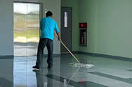 shopping centre cleaner